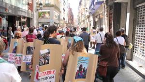manifestacion-de-txixpasekin-contra-la-represion-en-chiapas-bilbao-2013